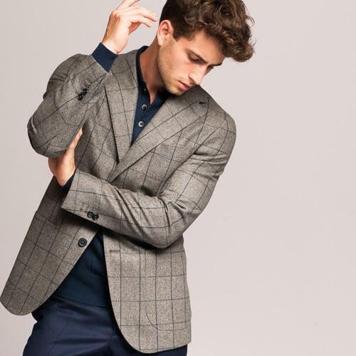 ¿Cómo combinar americana y pantalón de hombre?